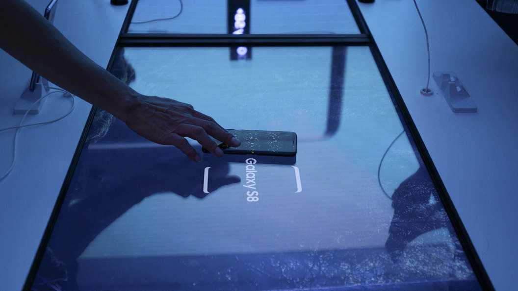 Эксперты: Завышенная цена на Samsung Galaxy S8+ упадет через месяц