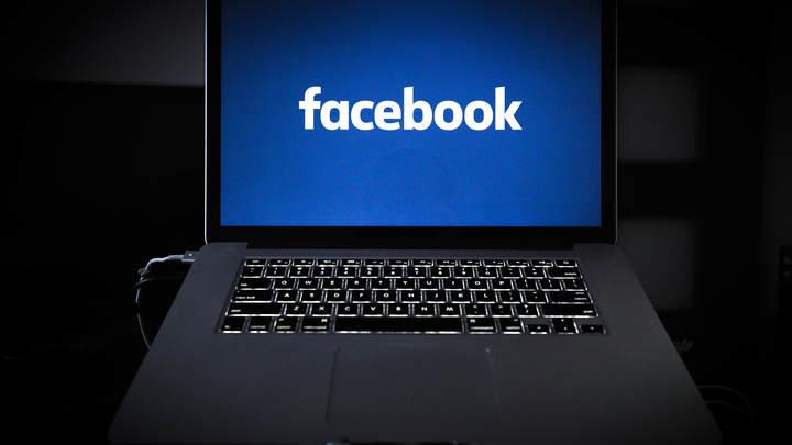 23 февраля вне закона: Facebook забанил блогера за поздравление с Днем защитника Отечества