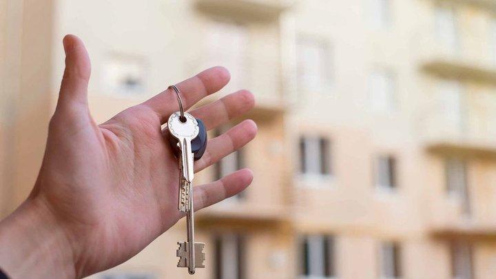 В Краснодаре 20 семей из сгоревшего дома по Российской получили ключи от квартир