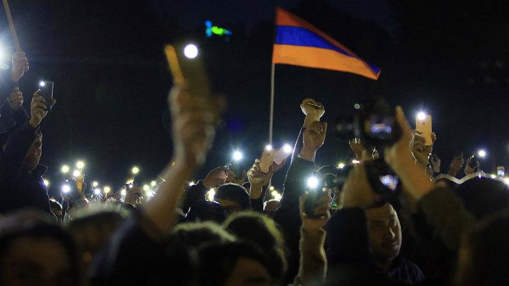 Лидер оппозиции Армении выдвинул требования после освобождения из-под стражи