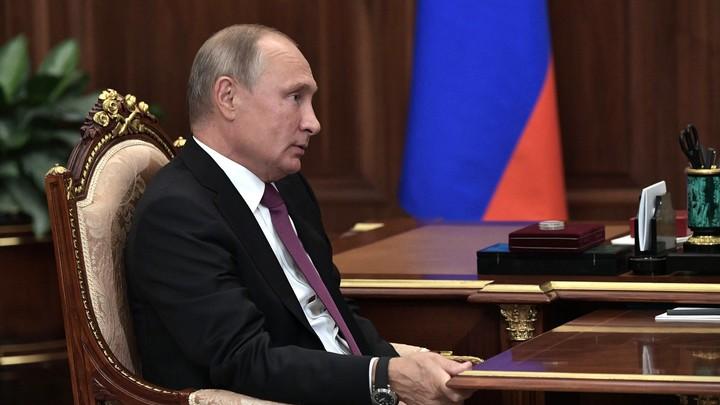 Путин пополнил коллекцию Эрмитажа Императорским жезлом
