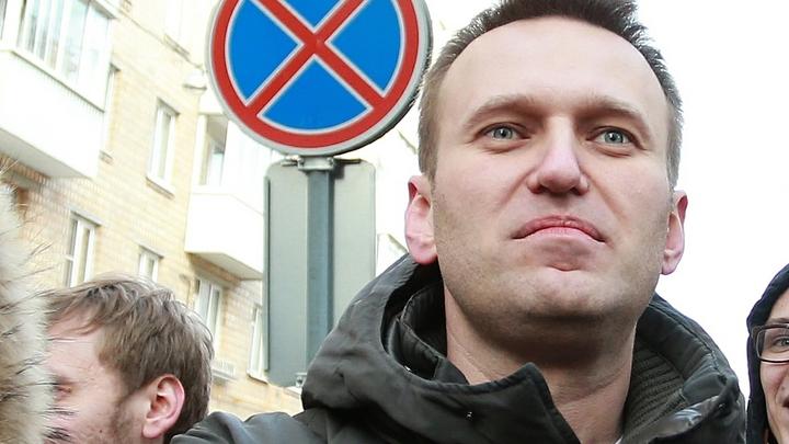 Удар как сверху, так и снизу: Системные либералы потеряли пешку Навального. При чём тут Чубайс?