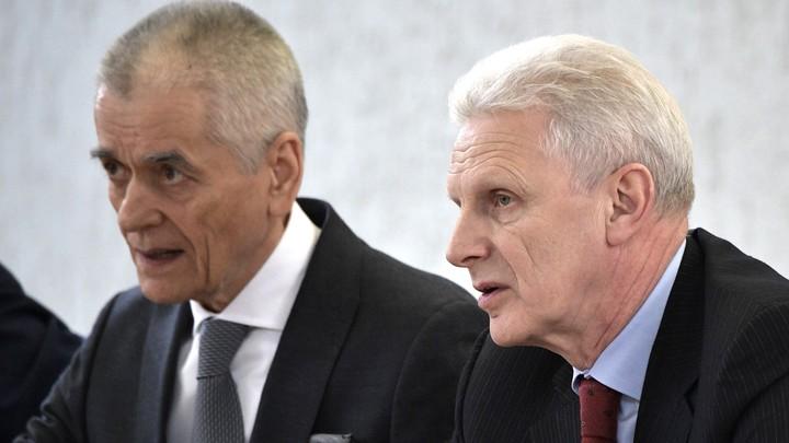 Онищенко выступил против отмены ЕГЭ и пояснил: Нужно улучшать, а не отменять