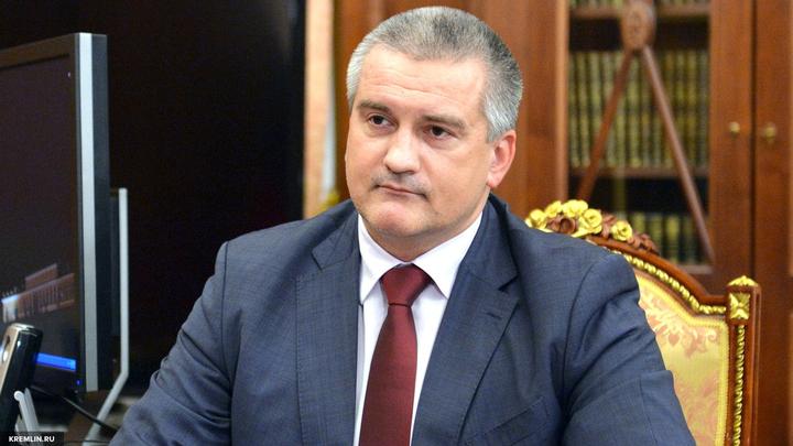 Аксенов разъяснил слова о монархии: Если бы Путин руководил СССР, страна бы не развалилась