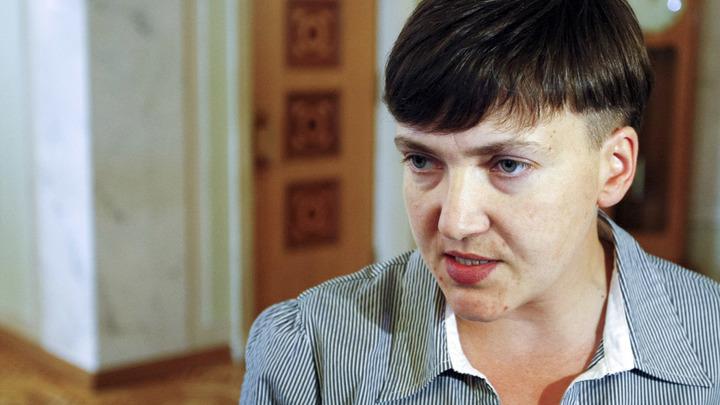 Савченко обратилась к украинцам у здания СБУ: Хотите взорвать здание администрации Порошенко?