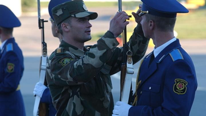 Минск прикрывает тылы армией? Инсайдер заявил о стягивании войск в столицу Белоруссии
