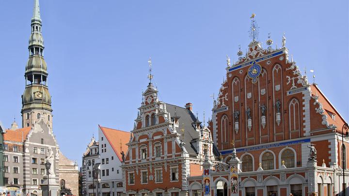 Не 20%, а 50%: В Латвии предложили повысить налог на высокие пенсии