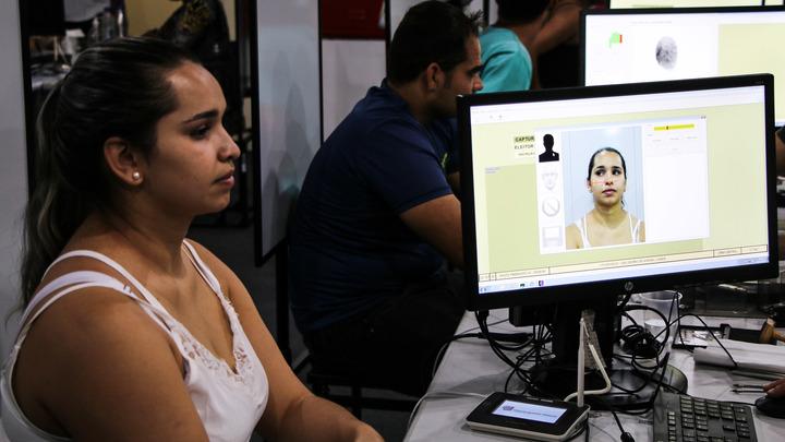 Правозащитница выступила против принудительной биометрии: Это уже перебор
