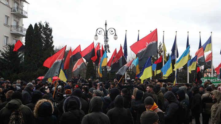 Уничтожим вместе с детьми и собаками: Украинские националисты переняли методы ИГИЛ*