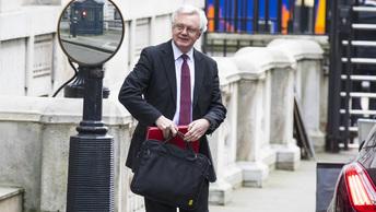 Министр по Brexit: Великобритания не станет дешевле Китая после выхода из ЕС