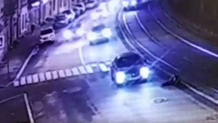 «Даже не притормозил»: автомобиль генконсульства Латвии сбил женщину в Санкт-Петербурге