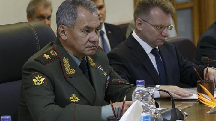 Шойгу передал военным благодарность за охрану Путина в Сирии