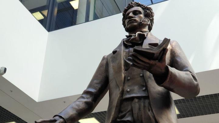 Памятник Пушкину в Шереметьево сделали в рекордные сроки. Автор рассказал о душе скульптуры