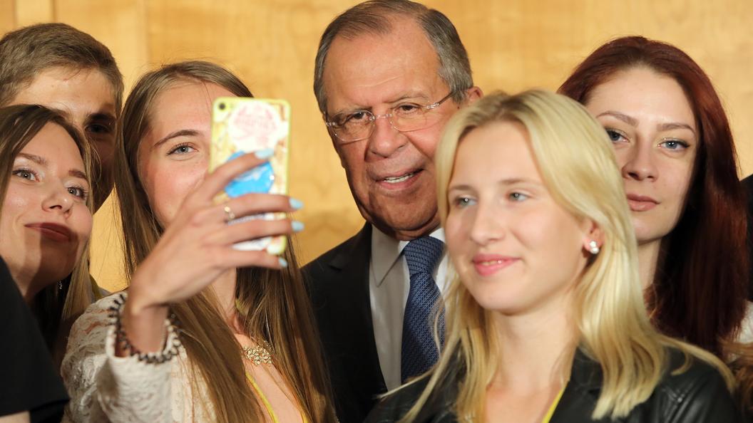 Мамой клянусь: Лаврова насмешило признание студента из Дагестана