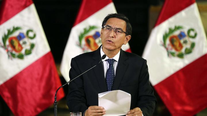 В Перу сбросили президента - за старые грехи