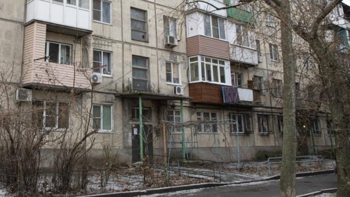 Расселить нельзя ремонтировать: Жильцы панельного дома в Ростове гадают, рухнет он или нет