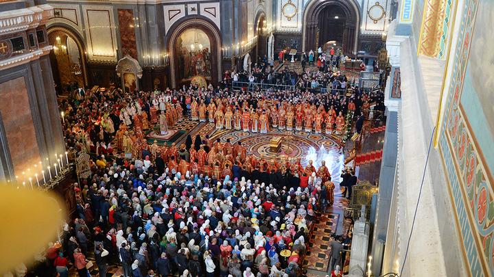 Михеев об изоляции России: Нам - мощи святого Николая, а украинцам - фальшивый безвиз