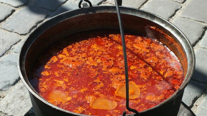 Диетолог назвал идеальное блюдо в жару