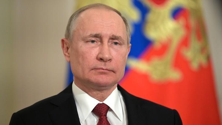 В Кремле рассказали, как часто Путина проверяют на коронавирус