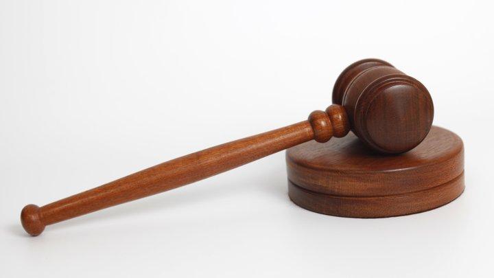 Попавшийся на взятке судья прикрылся историей про больного дядю