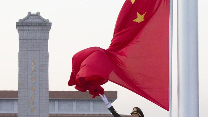 Альянс Медведя и Дракона: США предупредилиосвязиармий России и Китая