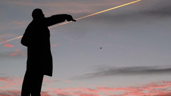 Война с памятниками в США: мэр Сиэтла требует снести монумент Ленину