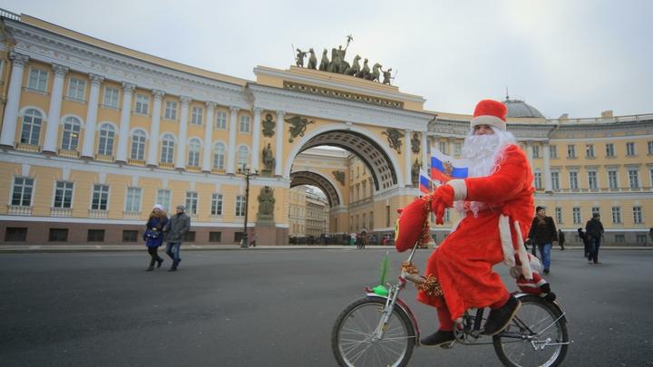 Не лучшее время для трат: бюджет на новогоднее украшение Санкт-Петербурга уменьшили в два раза