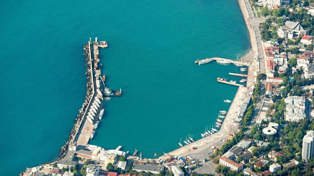 Аксенова обескуражили запредельно дорогие продукты на крымских курортах