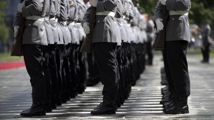 В НАТО обнищали: Военным ФРГ не хватает палаток и бронежилетов