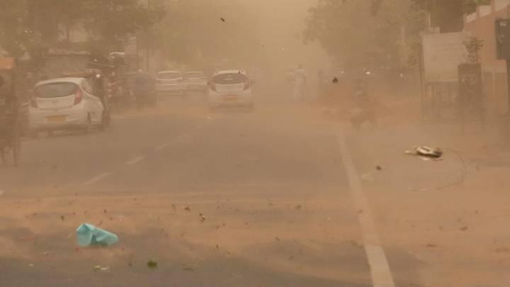 Приносит пыль с песков: Ростовчане скоро прозреют. Синоптик обозначила сроки