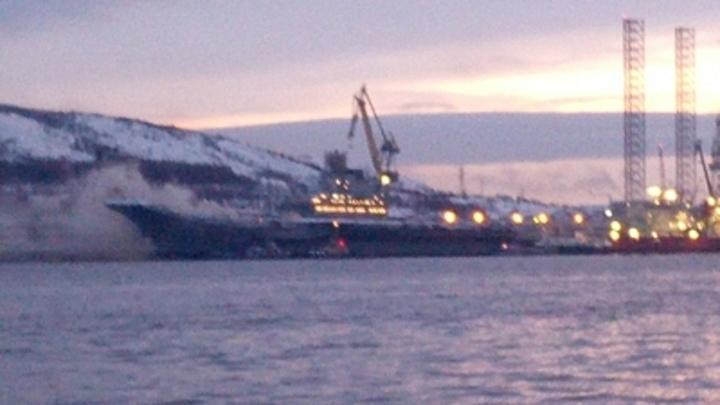 Кто заложил бомбу?: По Сети разгоняют невероятную версию пожара на Адмирале Кузнецове