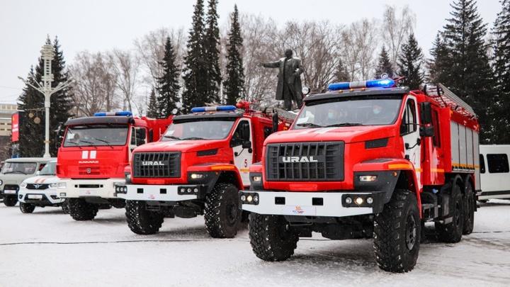 Два человека пострадали при взрыве газа на СТО в Новосибирске