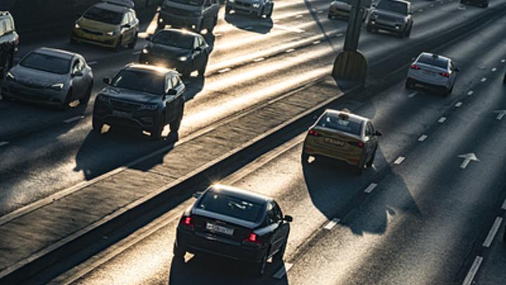 Развязка не спасла: автомобилисты встали в пробку на въезде в Нижний Новгород