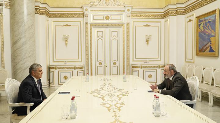 Пашинян начал встречи с лидерами политических сил