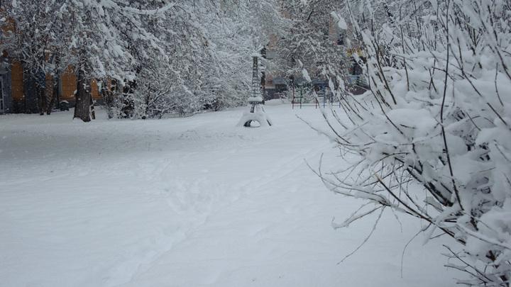Лейся, песня: В Екатеринбурге участники конкурса практически босиком маршировали по снегу