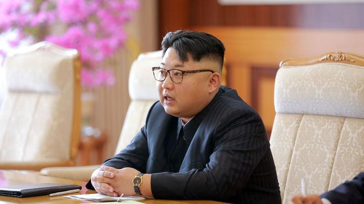 Белый дом показал фотографии с тайной встречи Помпео и Ким Чен Ына
