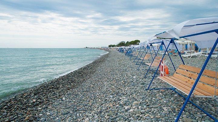 В Сочи и Анапе начали обустраивать зимние пляжи