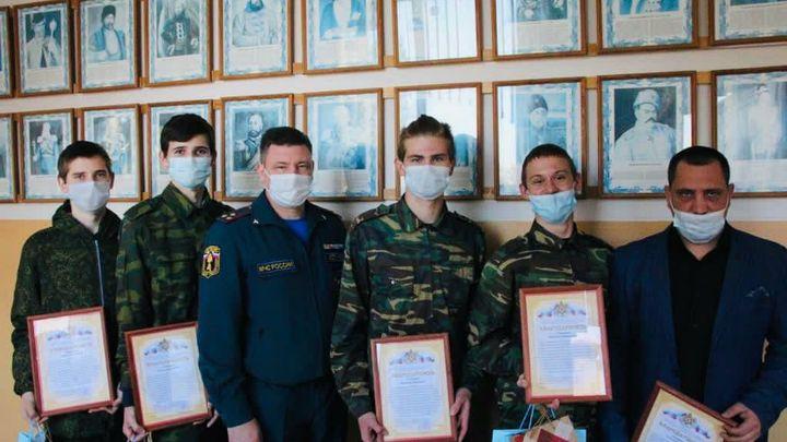 Если бы не они, то... - В МЧС рассказали, как кадеты из Азова спасли людей во время пожара