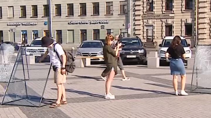 Покрас Лампас и знаменитые уличные художники разукрасили «Новые руины» в Петербурге