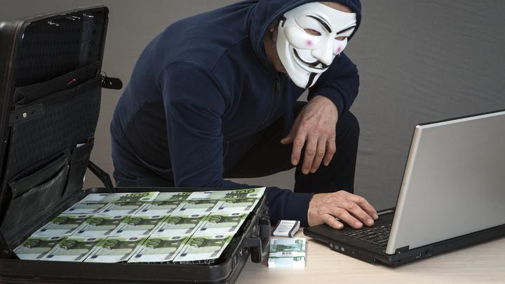 Мошенники выманили у ивановского студента-пятикурсника 100 тысяч рублей