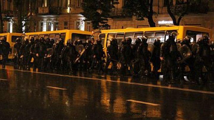 Огонь и баррикады против порядка: Власти Грузии показали истинное лицо оппозиции