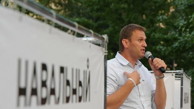 Объевшийся лобстерами Навальный «забыл», на чьи финансы шиковал девять лет назад