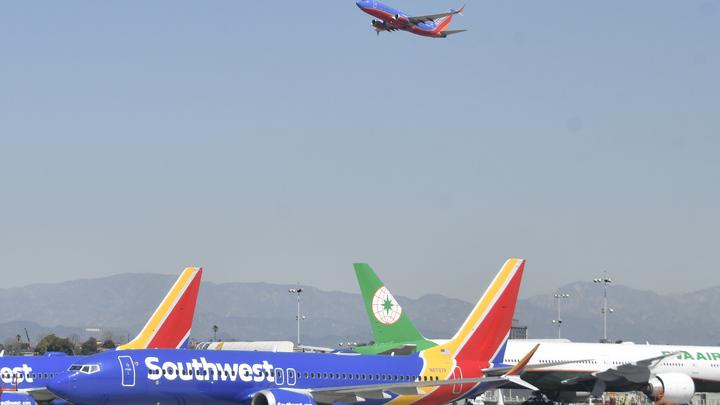 При посадке сам собой автопилот выключается: В Boeing 737 MAX нашли критические дефекты ПО