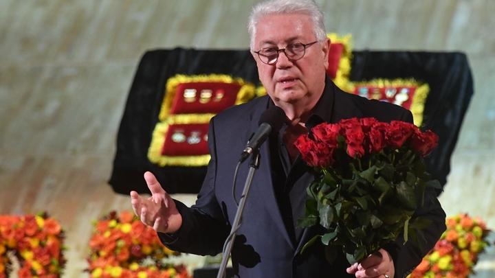 Винокур одолел Королёву и Аллегрову в игре на раздевание - СМИ
