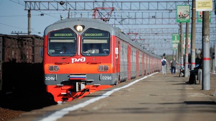 В Челябинской области под колесами поезда погиб юный мотоциклист