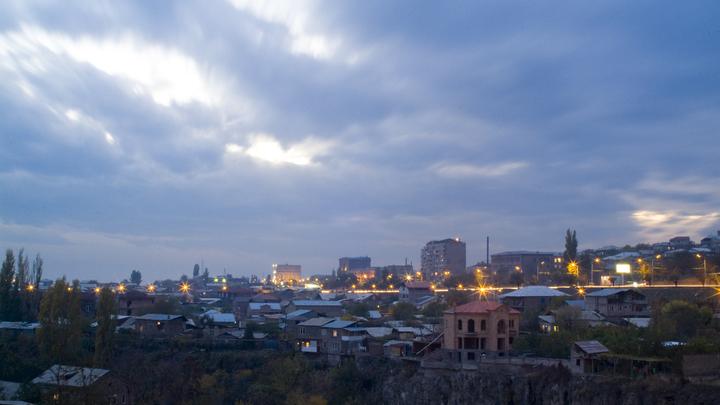 Студенты прогуливают, водители гудят: Оппозиция вышла на митинг в Ереване