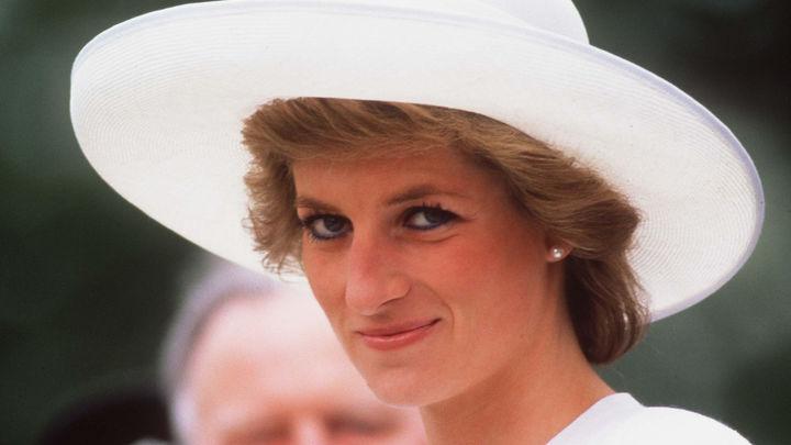 Ходила по минам и жала руку больным СПИДом: Малоизвестные факты о принцессе Диане