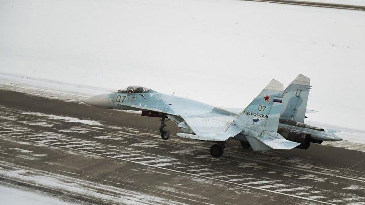 Нас не отгоняли: В США сочли завершенным задание B-52 у границ России после появления Су-27