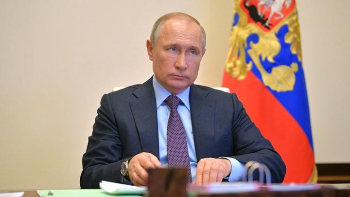 Путин вмешивается ежедневно: В Кремле рассказали о ручном управлении в больницах России