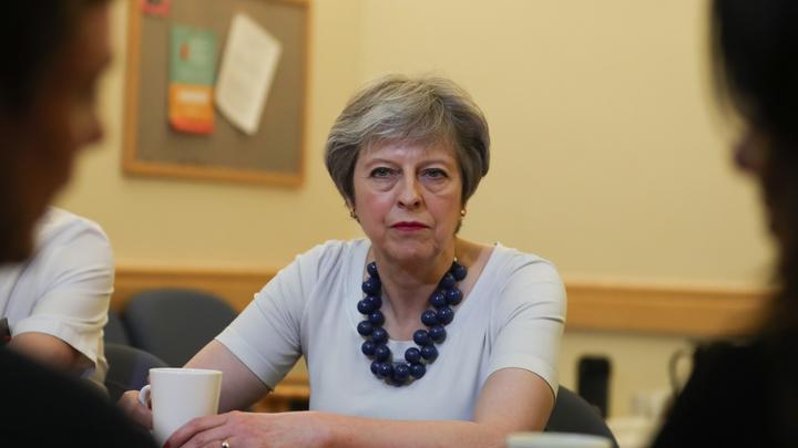 Мэй пошла в разнос: Премьер Британии готова наплевать на парламент ради удара в Сирии